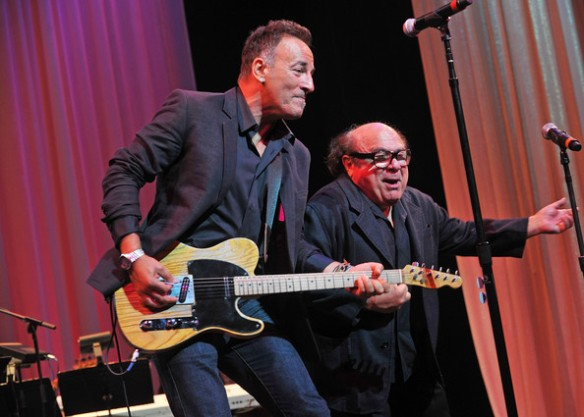 Bruce+Springsteen+Danny+DeVito+3rd+Annual+MDLGxSMMvcfl