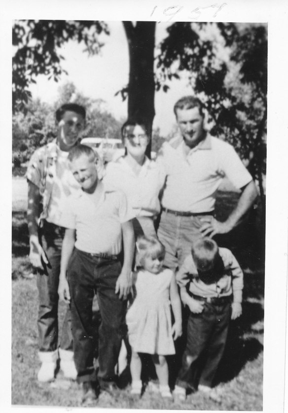 Family Vacation 1957. Robert Samuel, Letha, Robert Lee, Ronald Edwin, Richard Eugene and Ruth Marie Hilligoss