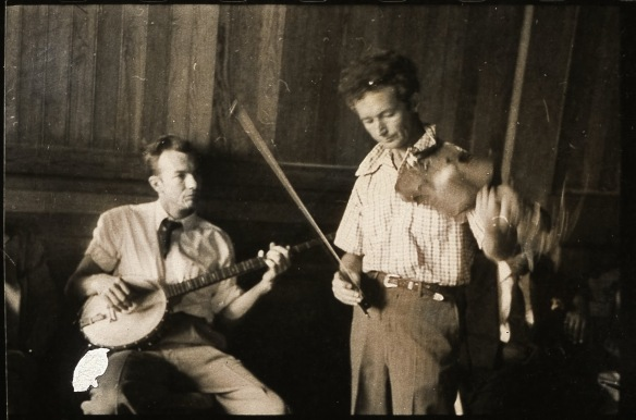 Some hard travellin' troubadours: Pete Seeger and Woody Guthrie