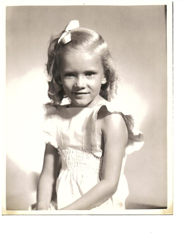Mom as little girl(2)